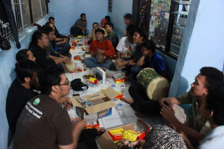 dihibur oleh tim marawis orda DKI Jakarta