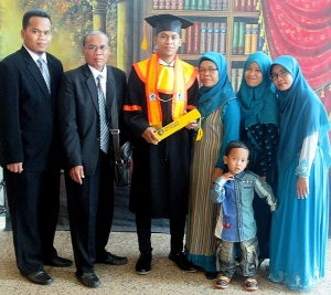 Photo bersama keluarga tercinta